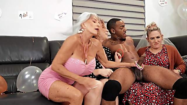 Matures share tasty BBC in dirty scenes